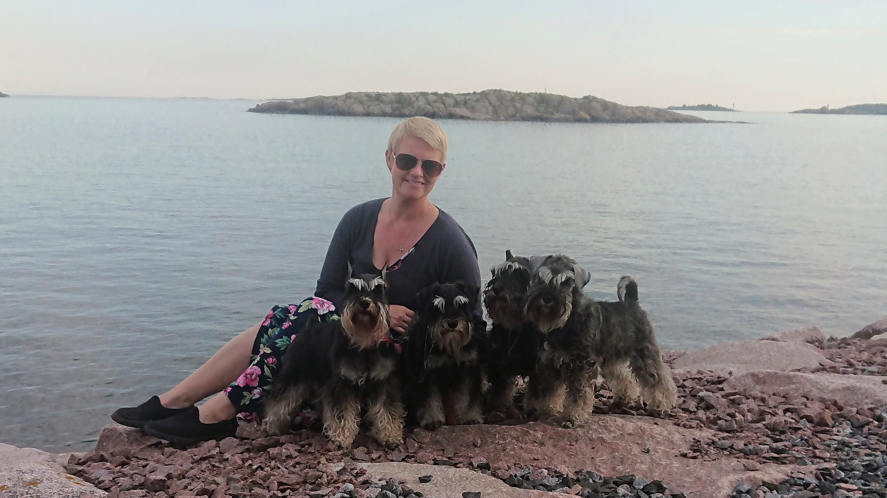 Niina with dogs